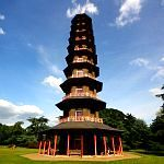 London Attractions - Parks & Gardens: Pagoda in Kew Gardens. Photo by neiljs, flickr.com/photos/neiljs