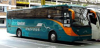 Oxford Espress Coach in Victoria Coach Station