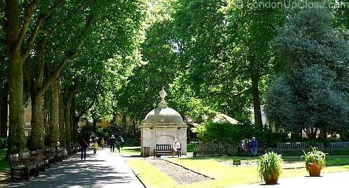 Paddington Street Gardens, with its many benches, is a shady place to take a break.