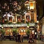 London Attractions - Pubs: The Sherlock Holmes Pub, Westminster. Photo by dicktay2000, flickr.com/photos/34094515@N00
